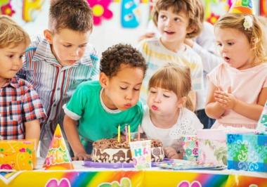 7 Passos para organizar uma festa infantil barata e diferente
